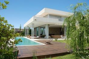 casa-minimalista-en-argentina-de-Barrionuevo-Sierchuk-Arquitectas
