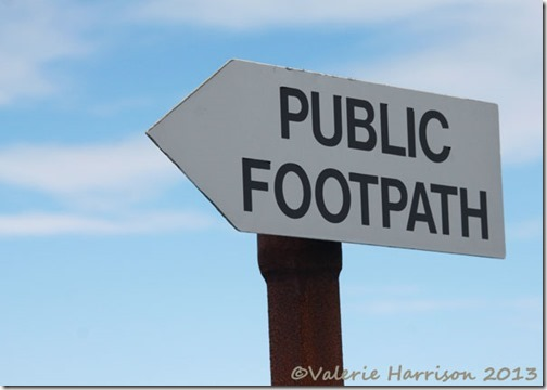 12--footpath-sign