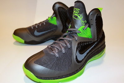 nike lebron 9 gr black green dunkman 4 01 Another Look at Nike LeBron Dunkman   Different Version