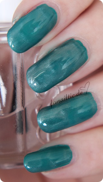 "Maybelline ""urban turquoise"" + essence Magnettopper"