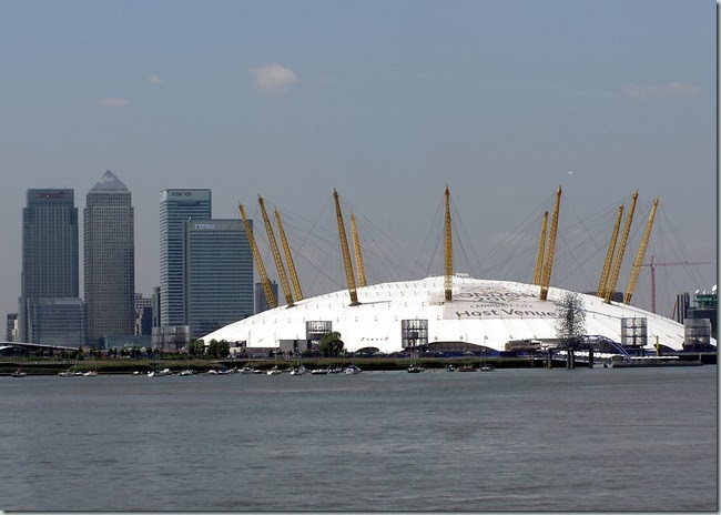 Canary.wharf.and.dome.london.arp