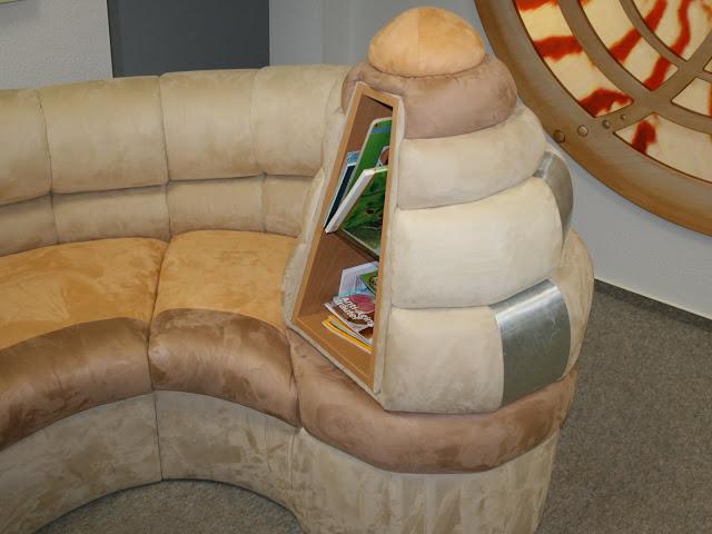 couchgarnituren sessel und ottomanen polsterm bel. Black Bedroom Furniture Sets. Home Design Ideas