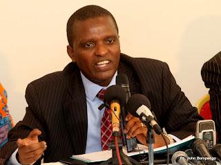 Azarias  Ruberwa, président du RCD ce 2/08/2011 à Kinshasa, lors d'une conférence de presse. Radio Okapi/ Ph. John Bompengo
