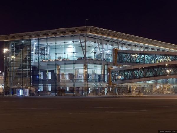 مطار ازمير