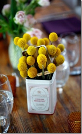 Billy-Balls-in-Vintage-Tin-Container-Wedding-Centerpiece-Ideas-250x374
