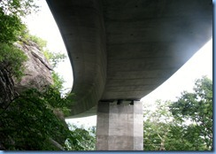 0809 North Carolina, Blue Ridge Parkway - Linn Cove Viaduct Visitor Center - Linn Cove Viaduct
