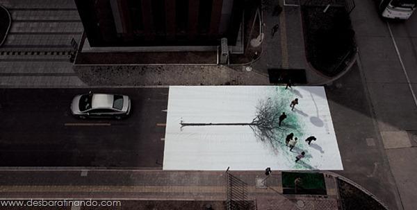 faixa-de-pedestre-china-footprints-leaves-pintando-com-os-pés (3)
