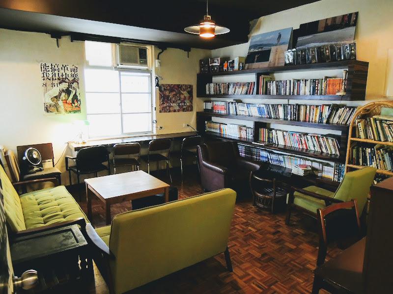 homey's Café 裡面一空間.jpg