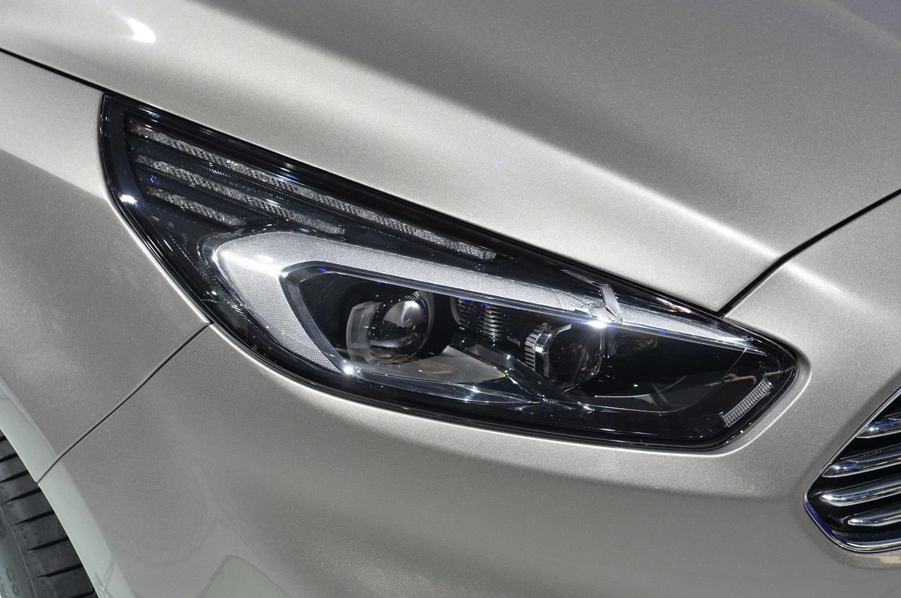 Yeni Ford S-MAX ve makyajlanan C-MAX / Grand C-MAX Paris'te