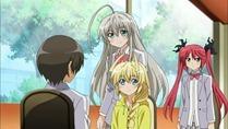 [HorribleSubs] Haiyore! Nyaruko-san - 04 [720p].mkv_snapshot_20.36_[2012.04.30_20.15.01]