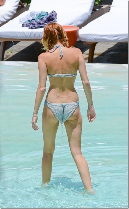 miley-cyrus-white-bikini-2