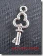 ScrapEmporium_chave metal prata_1cm_sc0050