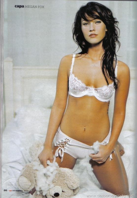 megan-fox-linda-sensual-sexy-sedutora-gostosa-pics-picture-fotos-foto-photos-vestido-saia-salto-lingerie-boobs-decote-sexta-proibida-desbaratinando (28)