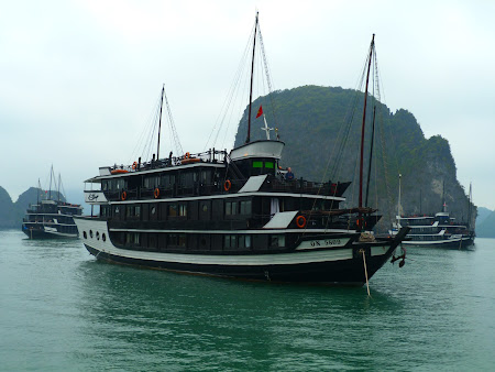 Croaziera Halong Bay: Bhaya Cruise