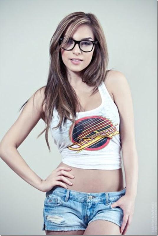 lindas mulheres de oculos (30)