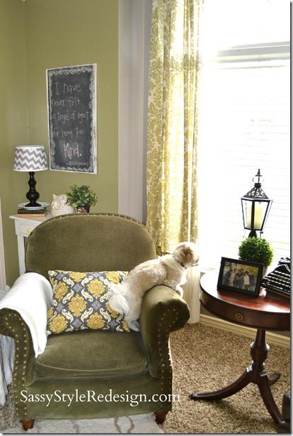 frontroom with bentley
