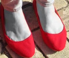 feet gray