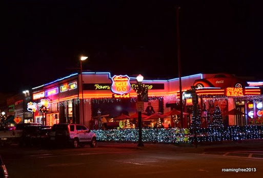 Cruisers Cafe 66 at night