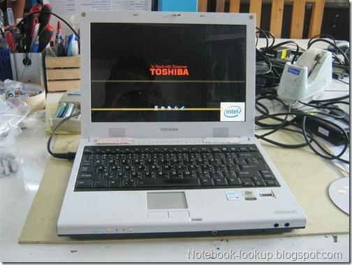 บันทึกช่าง - โน๊ตบุ๊ค Toshiba อาการจอลาย