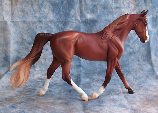 horse breyer model chestnut