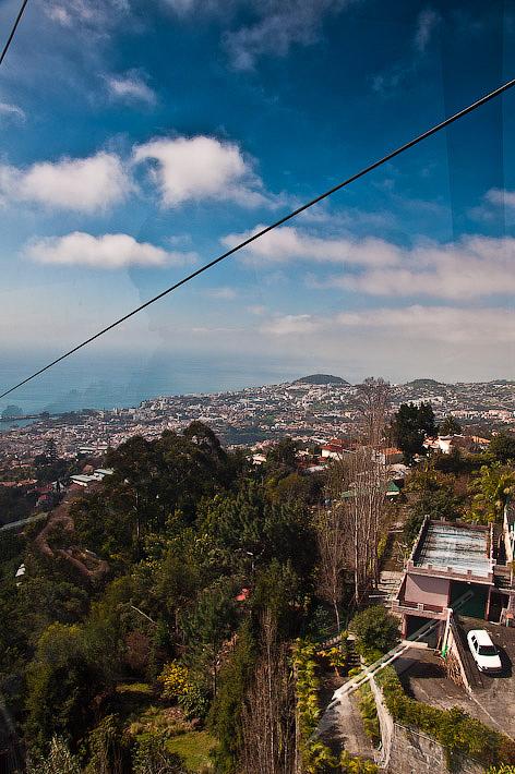 День пятый. Фуншал. Costa Concordia. Мадейра. Круиз. Кусочек Фуншала, теснота парковки и застройки.