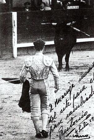 1946-07-04 Madrid Cambio a muleta plegada con pañuelo 001