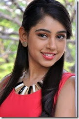 niti_taylor_beautiful_photo