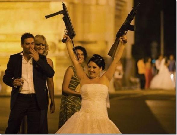 funny-wedding-photos-8