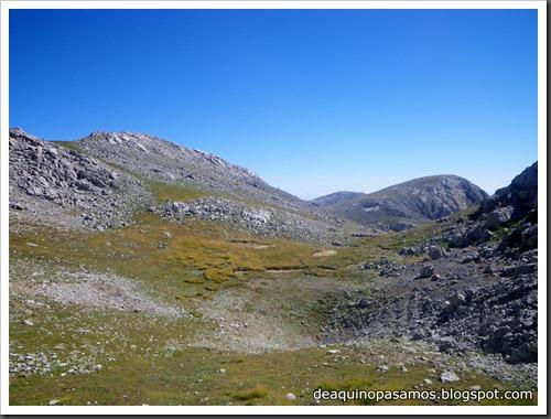 Jito Escarandi - Jierru 2424m - Lechugales 2444m - Grajal de Arriba y de Abajo (Picos de Europa) 0106
