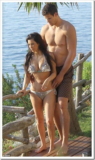 kim_kardashian_stunning fairytale_honeymoon