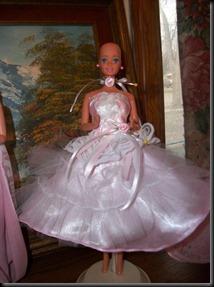 Barbie-calva-bald-and-really-beautiful-princess-2013-muñecas-Barbie-juguetes-Pucca-juegos-infantiles-niñas-cancer-hospital-chicas-maquillar-vestir-peinar-fashion-belleza-princesas-bebes-facebook-14