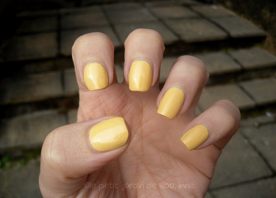 04-accessorize-nail-polish-sunny-yellow