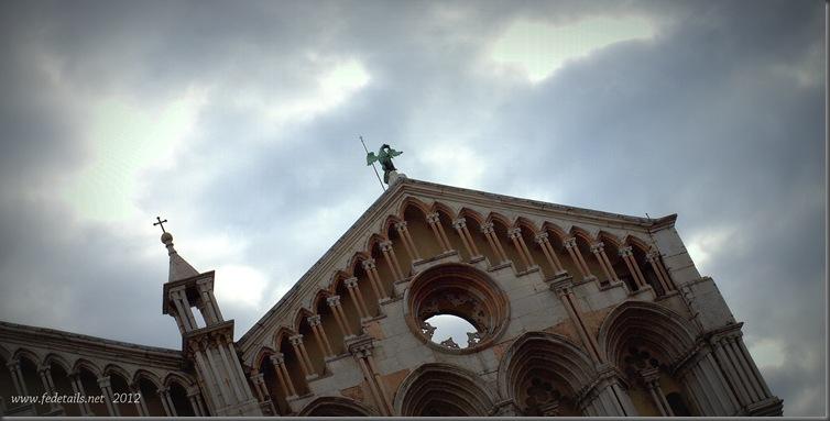 Cattedrale San Giorgio ( drago alato ), Ferrara, Emilia Romagna, Italia - St. George Cathedral ( windged dragon ) Ferrara, Emilia Romagna, Italy - Property and all Copyrights of www.fedetails.net