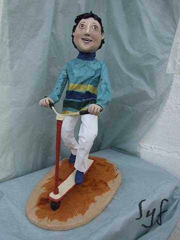 muñeco papel mache 11
