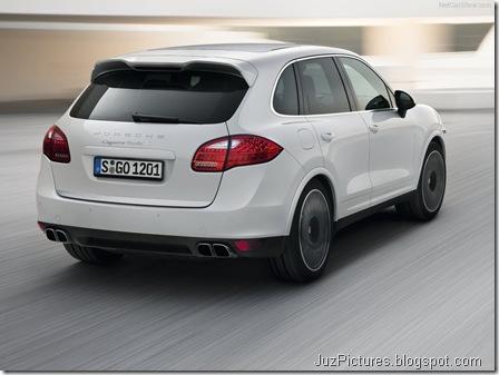 Porsche-Cayenne_Turbo_S_2013_800x600_wallpaper_09
