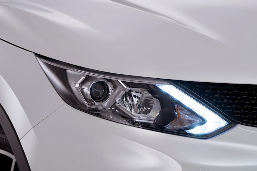 2014-Nissan-Qashqai-16.jpg