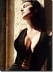Monica_Bellucci_09 March 2004 (7)