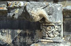 Glória Ishizaka - Mosteiro de Alcobaça - 2012 - 78 - gargula 1
