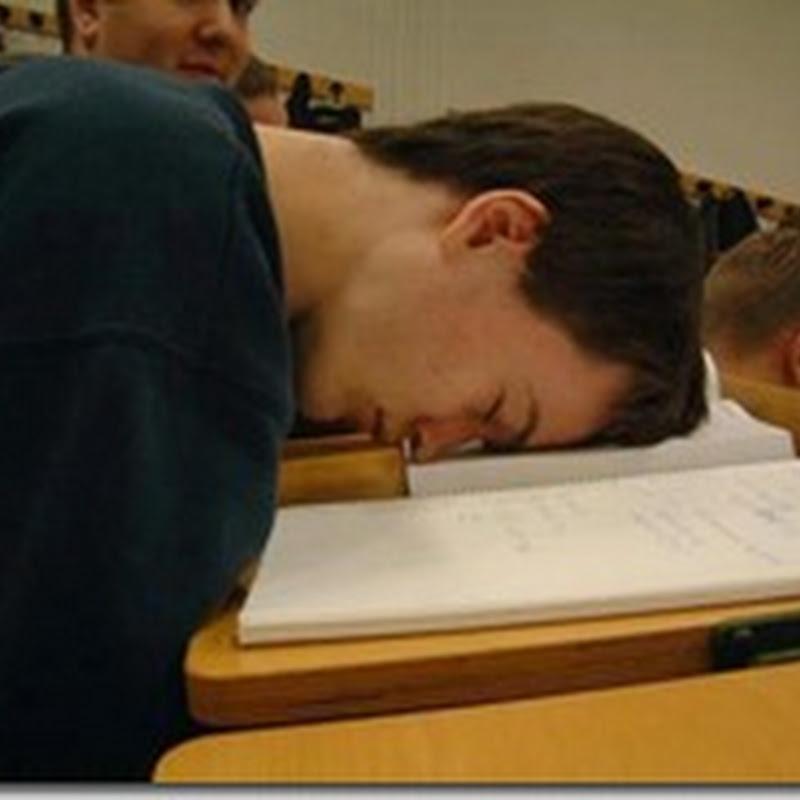 لماذا ننام أثناء المحاضرات ؟ وما الحل؟