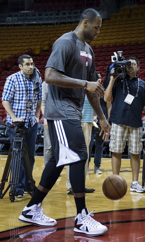 James Breaks Out New LeBron X PS Elite Home PE at Practice