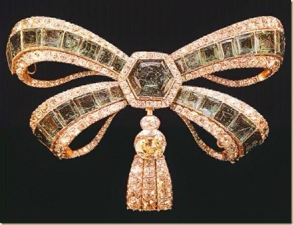 Broche_Braganza_esmeraldas-diamantes