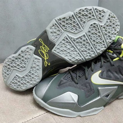 nike lebron 11 gs dunkman 2 03 First Look at Nike LeBron XI Dunkman in Kids Version
