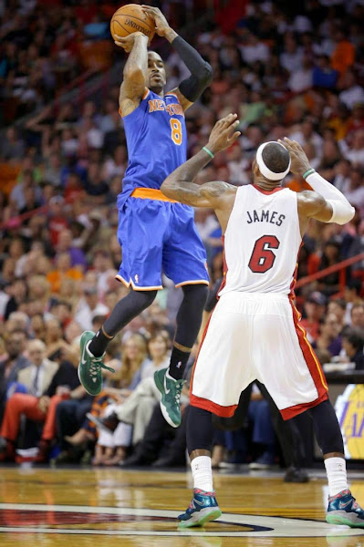 lebron james nba 140406 mia vs nyk 04 King James Debuts Power Couple Soldier 7 for NBA Green Week