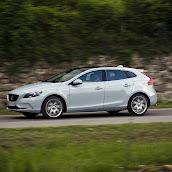 2013-Volvo-V40-HB-3.jpg