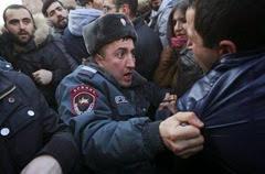 2015-01-19T160903Z_1007000001_LYNXMPEB0I0N0_RTROPTP_2_CNEWS-US-ARMENIA-RUSSIA