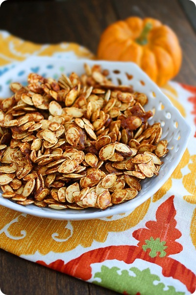 Salted Caramel Pumpkin Seeds – Sweet-salty twist on leftover pumpkin seeds! So delicious and healthy! | thecomfortofcooking.com