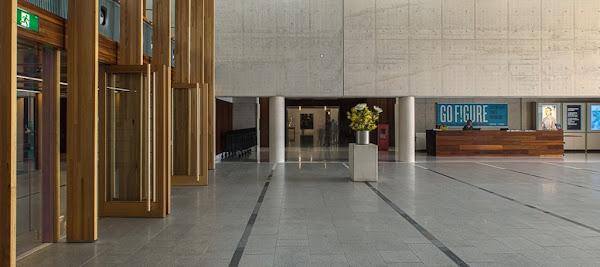 National_Portrait_Gallery_building 8.jpg