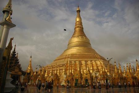 Obiective turistice Myanmar: Temple Yangon