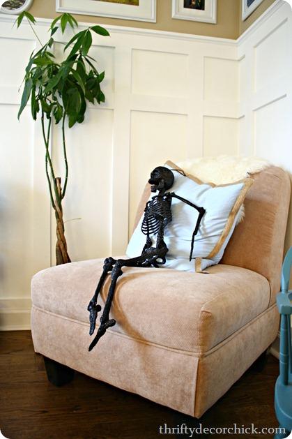 Sparkly black skeleton