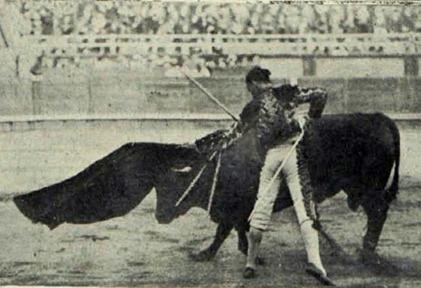 1915-08-22 (p 09-06 PyP) Jose en Sansebastian 3